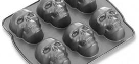 Nordic Ware Mini Skull Cakelet Pan