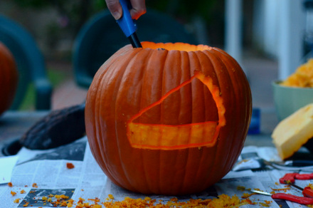 How to Carve a Pumpkin Pie Pumpkin
