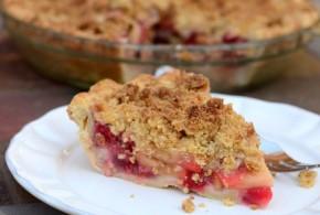 Strawberry Apple Crumble Pie