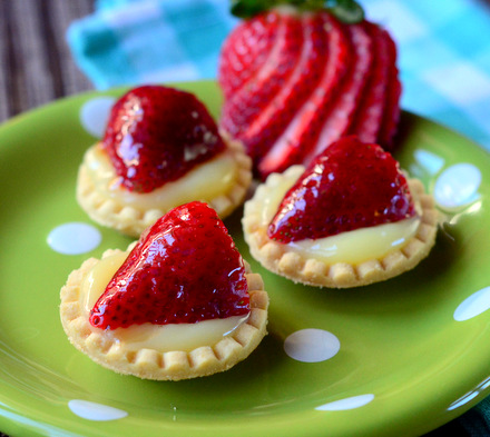 Strawberry & Lemon Curd Tartlets | Baking Bites