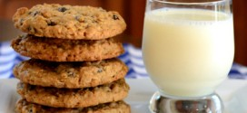 Big, Bakery-Style Oatmeal Raisin Cookies