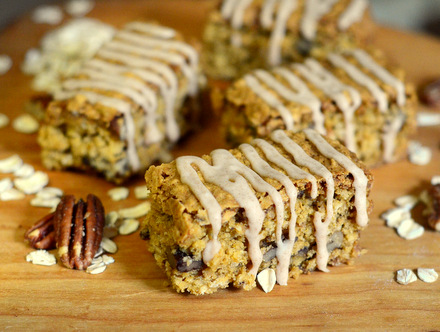 Oatmeal Pumpkin Bars with Cinnamon Drizzle