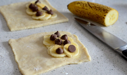 How to Make Chocolate Banana Hand Pies