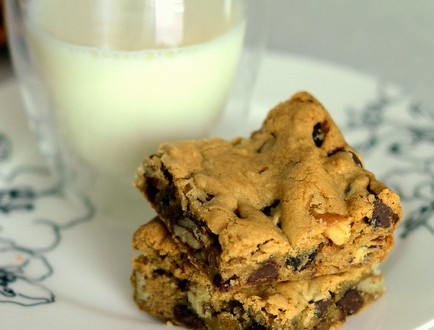 Buttermilk Chocolate Chip Cookie Bars Baking Bites
