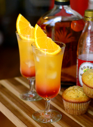 Tequila Sunrise cocktails