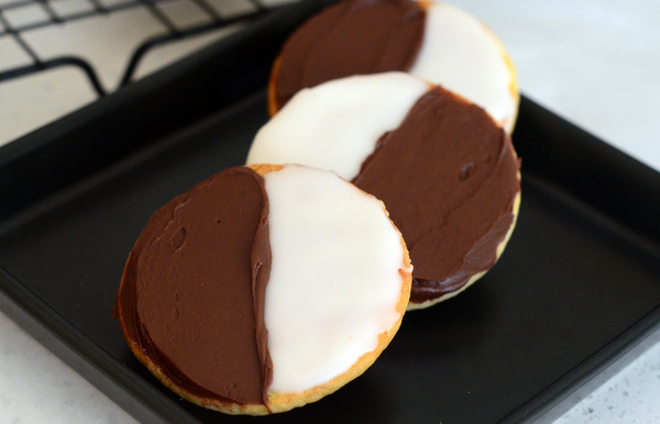 NYC Bakery-Style Black & White Cookies