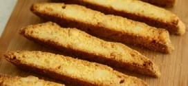 White Chocolate Macadamia Nut Biscotti