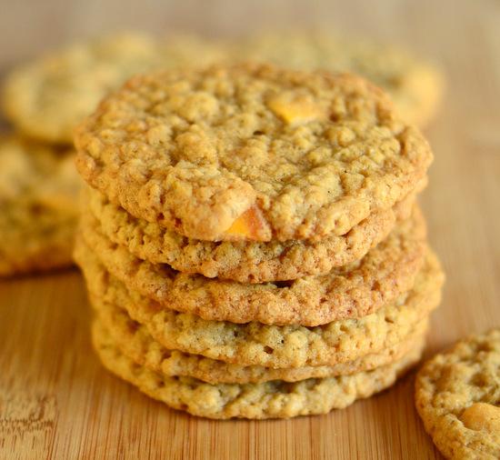 Mango Oatmeal Cookies
