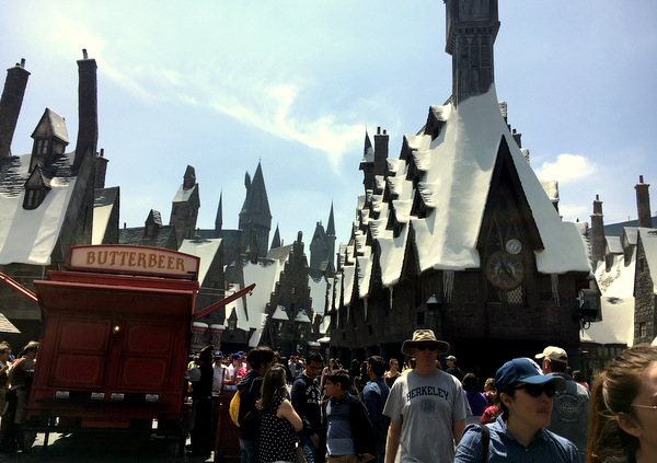 Lunch in Hogsmeade at the Wizarding World of Harry Potter