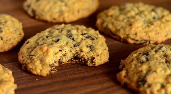 Chocolate Chunk Oatmeal Cookies with Cacao Nibs