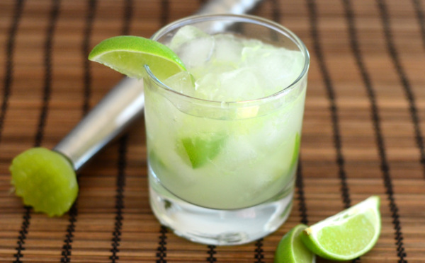 How to Make a Classic Caipirinha