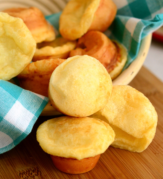 Pao de Queijo (Brazilian Cheese Bread) | Baking Bites