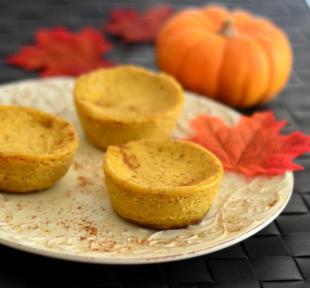 Mini Pumpkin Spice Oreo Pumpkin Cheesecakes