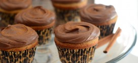 Cinnamon Cupcakes with Chocolate Cinnamon Frosting