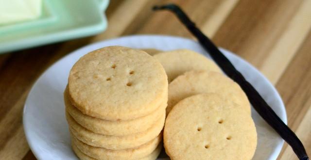 Vanilla Brown Sugar Shortbread Buttons