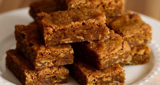 Gingerbread Oatmeal Blondies