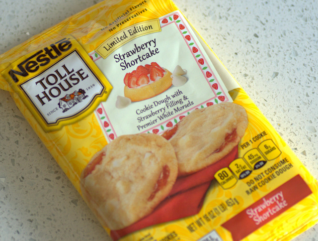 Nestle Tollhouse Strawberry Shortcake Cookie Dough, reviewed