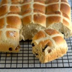 Baking Bites for Craftsy: No Knead Hot Cross Buns