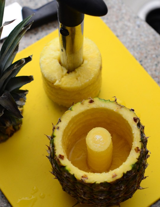 How to use a Pineapple Corer
