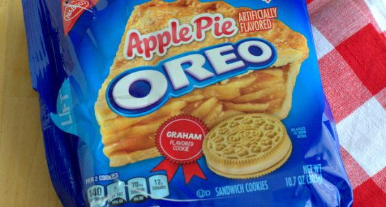 Apple Pie Oreos, reviewed