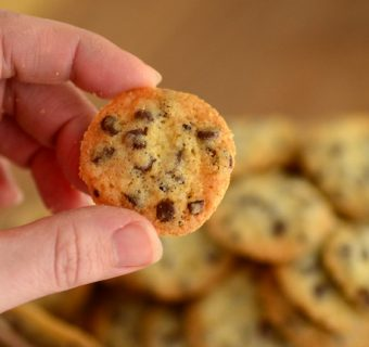 Tiny Crispy Crunchy Chocolate Chip Cookies