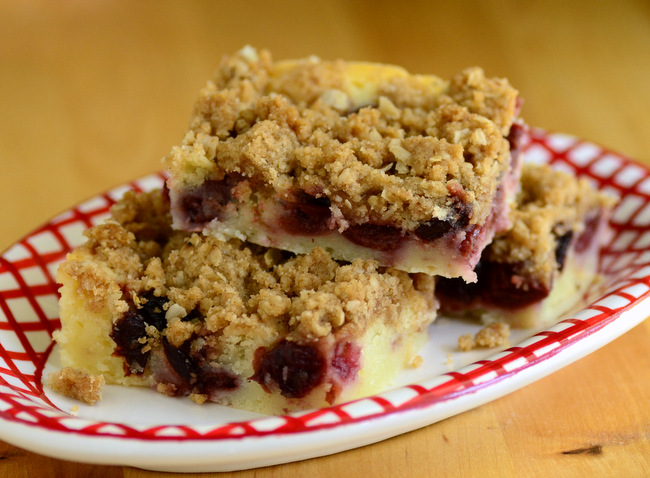 Cherry Cobbler Streusel Bars