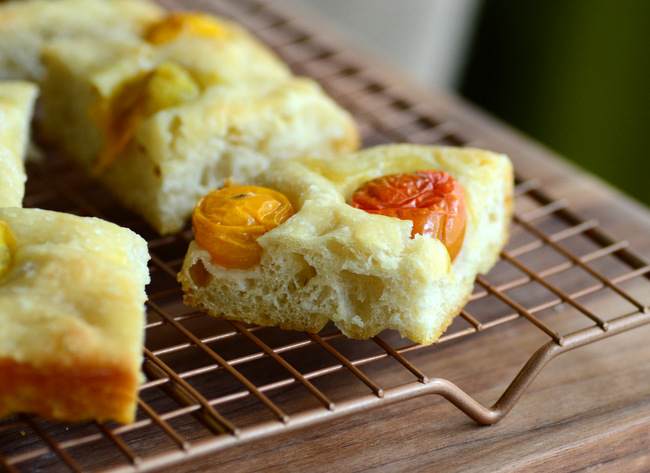 Easy Heirloom Tomato Focaccia
