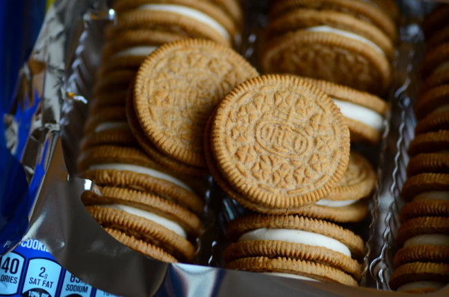 Carrot Cake Oreos, reviewed
