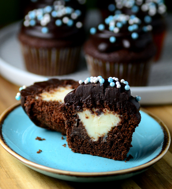 Double Chocolate Cheesecake Cupcakes
